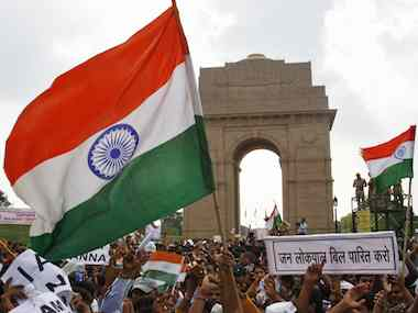 Thousands gather at india gate to celebrate anna s win firstpost