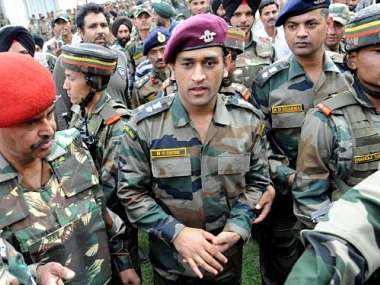 http://s2.firstpost.in/wp-content/uploads/2012/06/Dhoni-Army-AFP.jpg