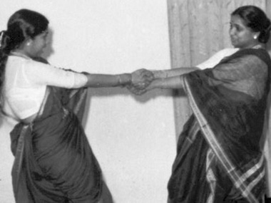 Lata Mangeshkar and Asha in their younger days. Image courtesy: ibnlive