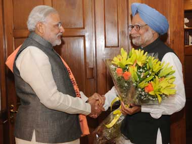 Gujarat Chief Minister Narendra Modi (L) meeting Prime Minister Manmohan Singh in New Delhi on 06 February 2013. Image courtesy PIB