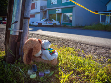A memorial outside the Reptile Ocean exotic pet store in Campbellton. AP
