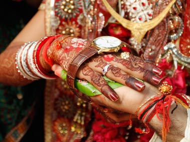 arranged marriages and dowry The family of the girl who was to be married would give a dowry, or donation,   after the marriage was arranged, a wedding notice was posted on the door of the .