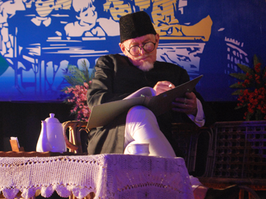 Tom Alter in the play. Firstpost/Tarique Anwar
