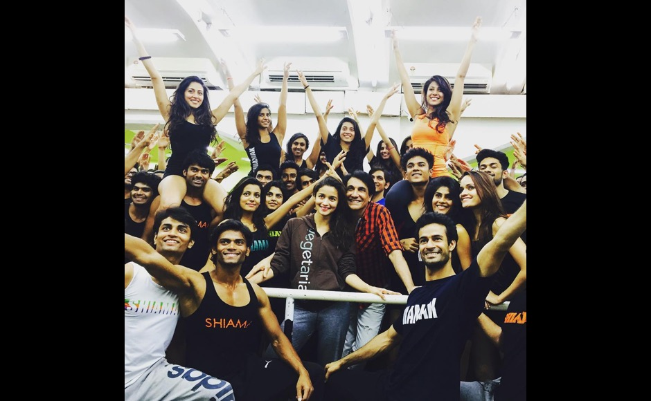 "The Film Fare awards are around the corner, and Alia Bhatt seems to be working hard on her performance. ""Filmfare prep with Shiamak and his fabulous dancers !!!! #DancingGoals,"" she said on her Instagram account. Image courtesy: @aliaabhatt/Instagram"