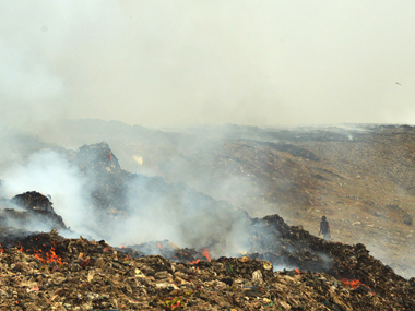 The fire at Mumbai's Deonar dumping ground. Solaris Images