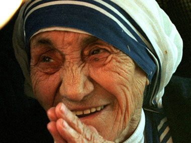 As it happened: Mother Teresa declared 'Saint Teresa of Calcutta' by Pope Francis
