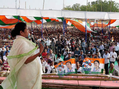 LIVE: In a star-studded event, Mamata Banerjee sworn in as West Bengal chief minister