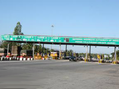 Demonetisation: All 11 Reliance Infra toll plazas to go cashless from midnight