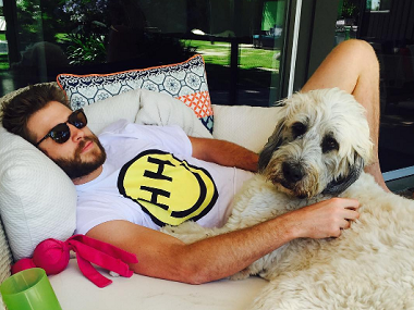 Miley Cyrus just made her romance with Liam Hemsworth official! - Firstpost
