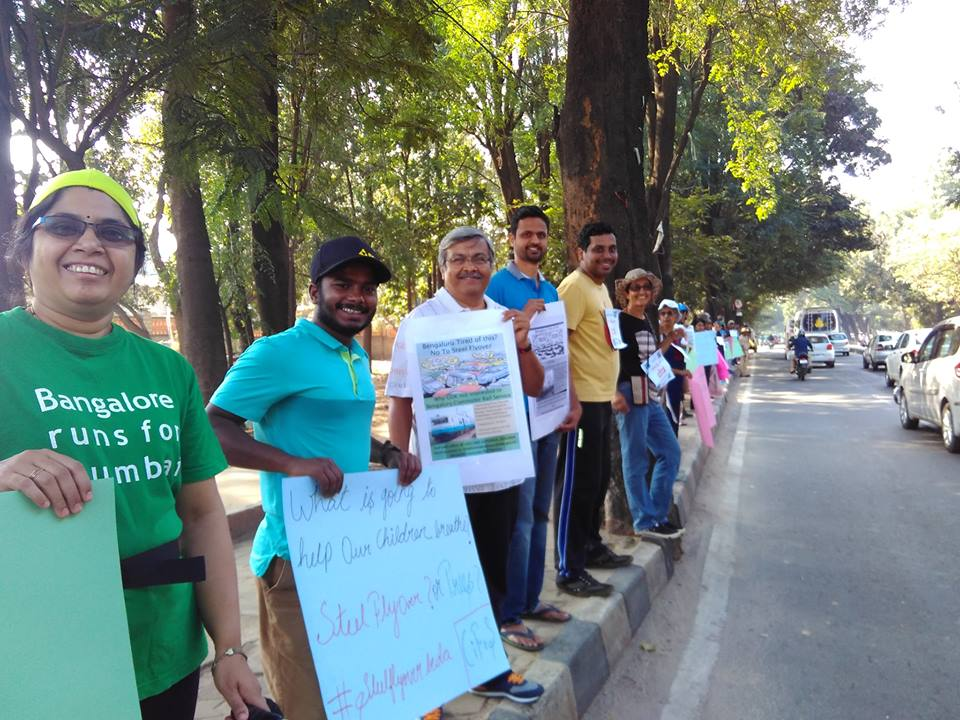 Justice Santosh Hegde, director Pawan Kumar, Samyukta Hornad and world champion climber Manikandan Kumarwere seen joining and actively supporting the protests. Image Courtesy: Facebook/Avinash BM