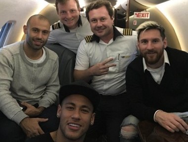 Lionel Messi, Javier Mascherano and Neymar travelling together to Brazil. Image courtesy: Twitter/@edmacieldesa