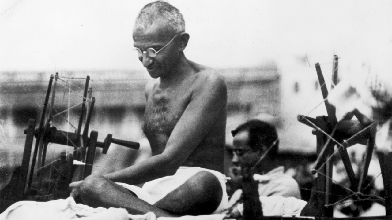 gandhi film analysis The movie gandhi starts off with the assassination of gandhi on january 30, 1948 he was killed because of the split of hindus and muslims into pakistan and india, instead of trying to keep the country united (which was impossible at the time) the story then jumps back to gandhi early in his life.