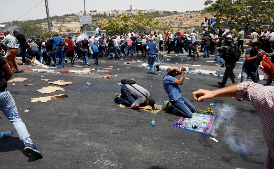 Palestinians clash with Israeli forces in Jerusalem; UN calls emergency meeting
