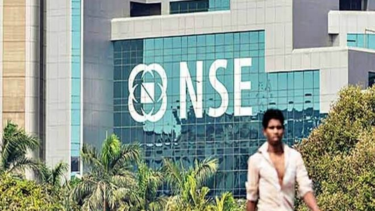 Nifty crosses historical 10,000 mark, Sensex hits new high on IMF, earnings boost