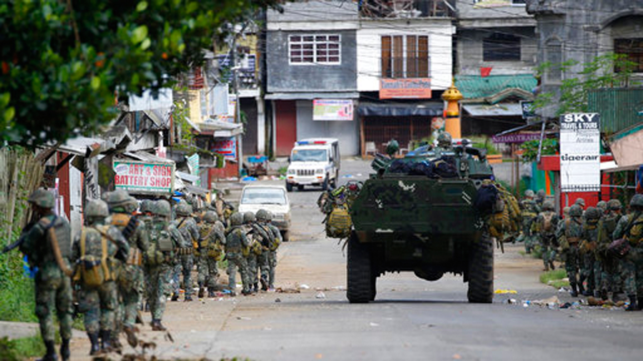Philippines violence: Islamic State militants forcing children, hostages to fight, says army
