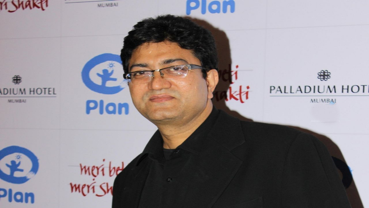 Prasoon Joshi clarifies absence on first day of duty: 'CBFC chairman need not micromanage'