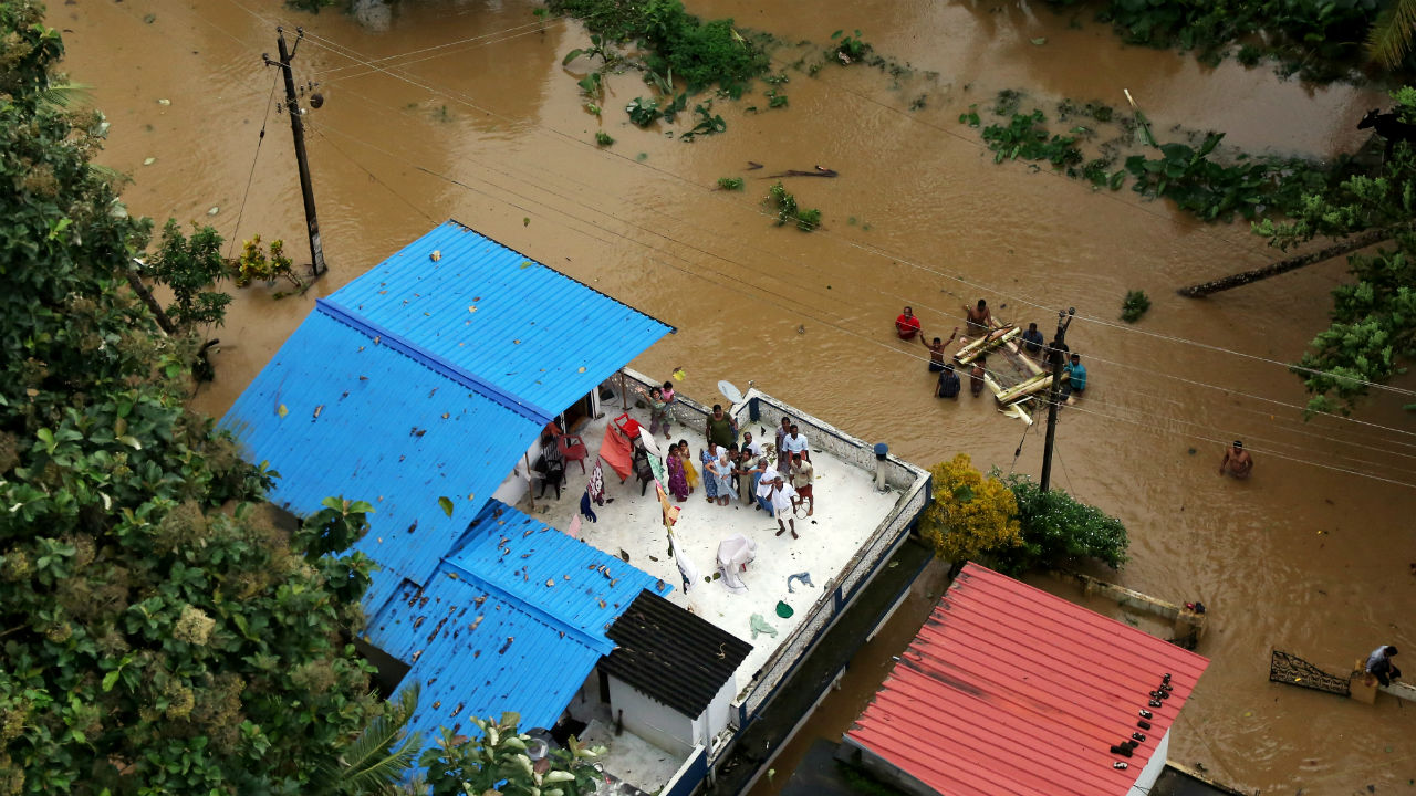 Kerala floods updates: IMD withdraws red alert for Sunday
