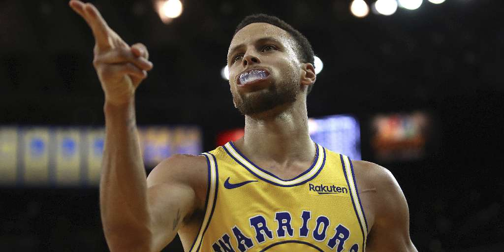 25ac9ca4df0 NBA  Stephen Curry scores 51 in Golden State Warriors  win  LeBron James  finally tastes victory with LA Lakers - Firstpost